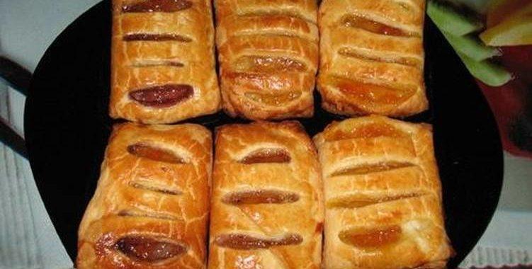 Пирожки из слоеного теста с начинкой из повидла