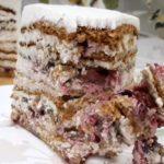 Торт Медовик с вишней и орехами - рецепт