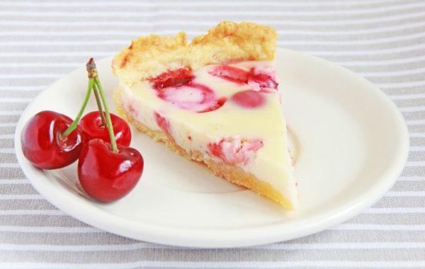 Быстрый пирог с вишней в духовке рецепт