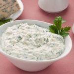 Соус из зелени с чесноком рецепт