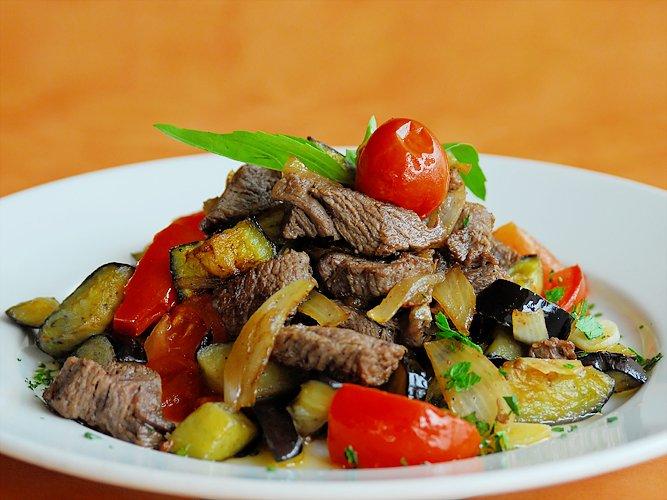 овощи тушеные с говядиной