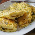 Омлет с макаронами и сыром рецепт