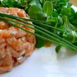 Тартар из лосося с каперсами рецепт
