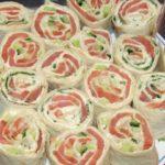 Рулет  из семги, зелени и сыра