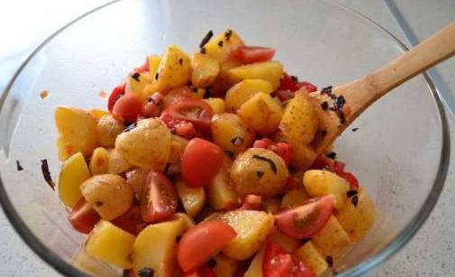 Картофель в итальянской заправке