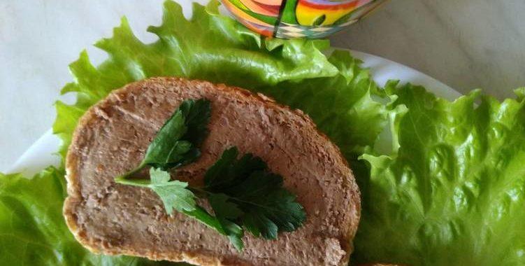 Паштет из куриной печени со сливочным маслом