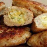 Куриные зразы с сырной начинкой
