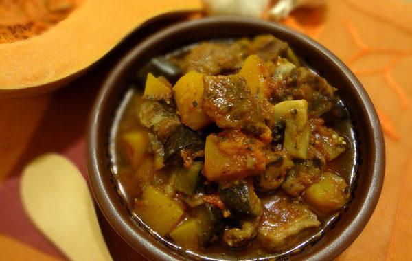 Мясное рагу с имбирем и тыквой