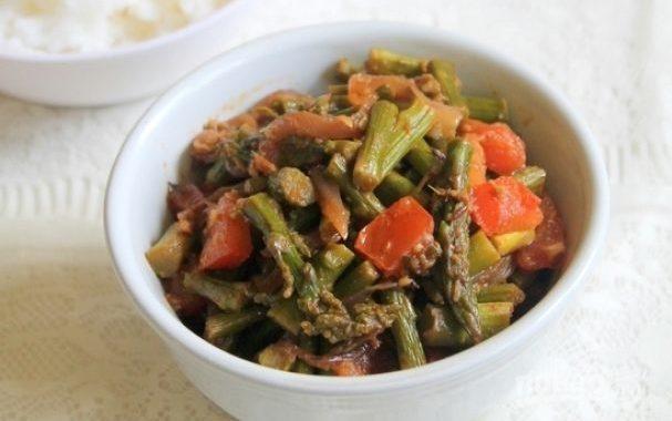 Спаржа с овощами рецепт