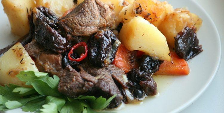 Запеченная баранина с картофелем и луком рецепт