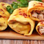 Буритос с курицей, кукурузой и соусом Сальса рецепт