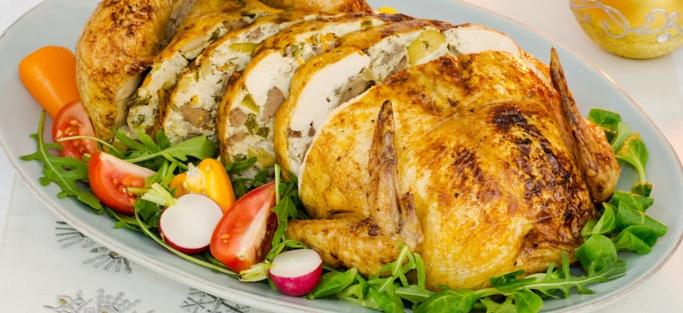 Галантин из курицы с омлетом и печенью рецепт