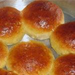 «Золотые пампушки» со сладким соусом
