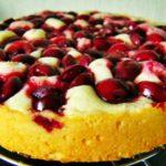 Шарлотка с вишнями – рецепт приготовления