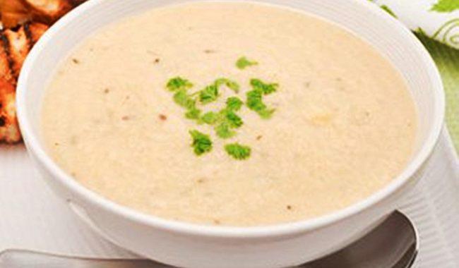 Суп-пюре из цветной капусты с яичными гренками рецепт