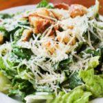 Салат Цезарь с сыром в домашних условиях рецепт