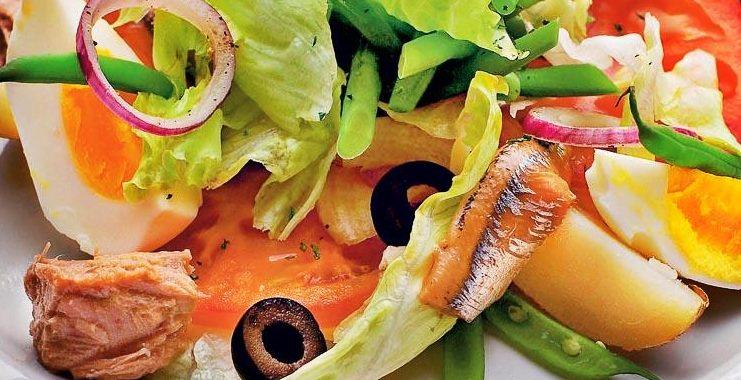 Средиземноморский салат с анчоусами рецепт приготовления