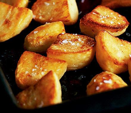 Как правильно запечь картофель в духовке