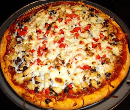 Пицца Тако с фасолью, оливками и сыром чеддер рецепт
