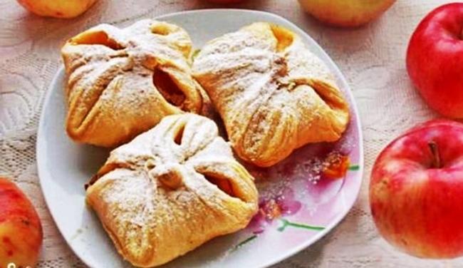 Пирожное Конверты с яблоками рецепт приготовления