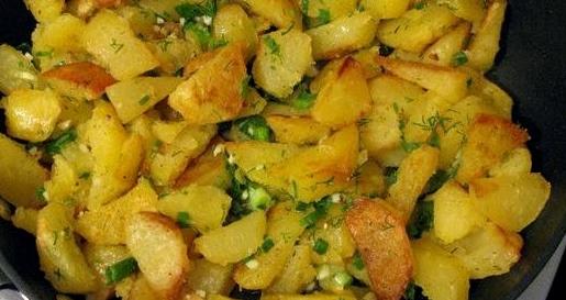 Картофель с огурцами на сковороде рецепт