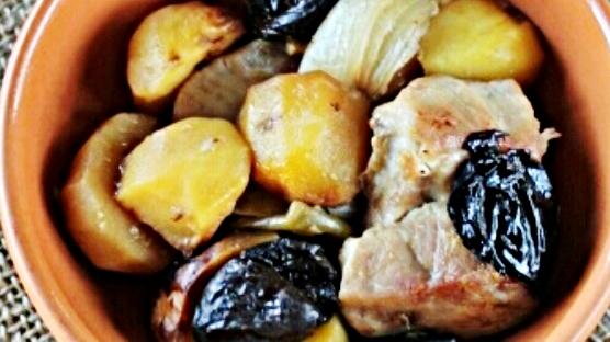Картошка с мясом и черносливом рецепт приготовления