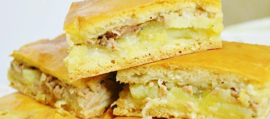 Пирог с консервированной сайрой и картошкой в духовке рецепт