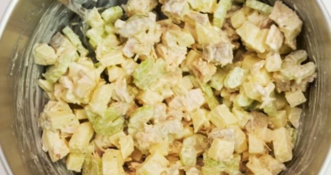Салат с курицей и сельдереем рецепт приготовления