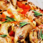 Куриные ножки с помидорами и майонезом, запеченные в духовке