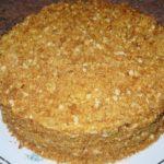 Торт медовик с инжиром, фисташками и фундуком рецепт