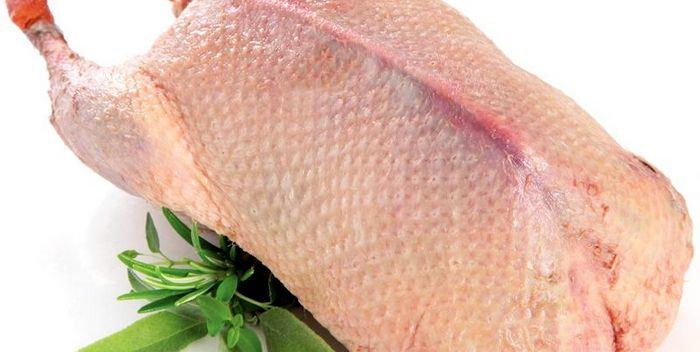 Как правильно выбрать мясо утки для запекания в духовке?