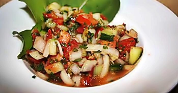 Салат из помидоров и огурцов рецепт приготовления