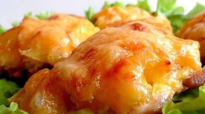 Курица запеченная с сыром в духовке рецепт