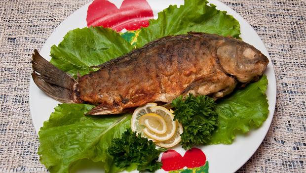Как правильно жарить рыбу – Жаренный карась
