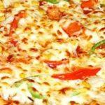 Простой рецепт домашней пиццы с сыром