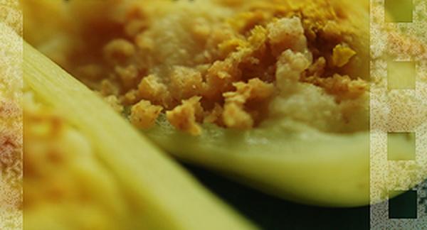 Пищевые дрожжи и фальшивый фаршированный перец с мясом и сыром