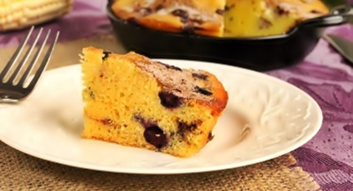 Кукурузный пирог с черникой рецепт приготовления