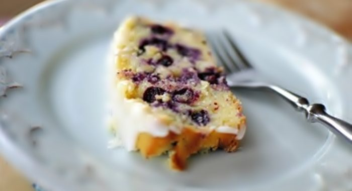 Простой и вкусный пирог с черникой рецепт