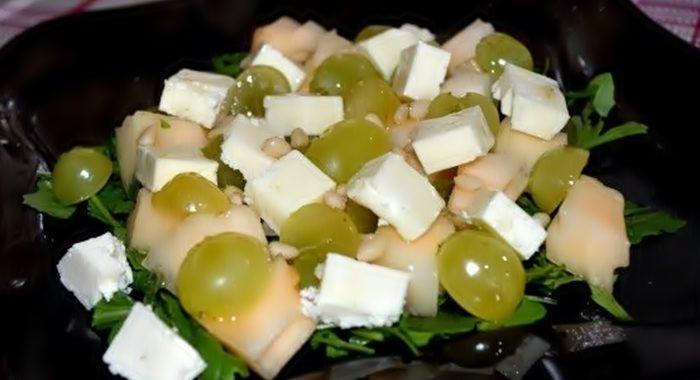Как приготовить салат с дыней и сыром – пошаговый рецепт