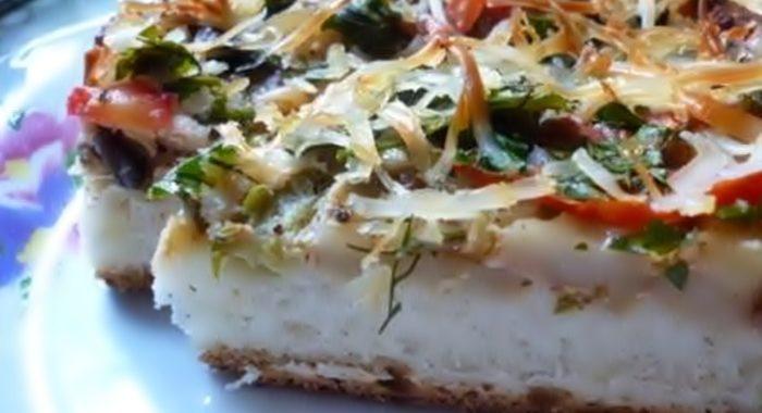 Домашняя пицца с колбасой и овощами – рецепт