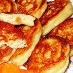 Дрожжевые оладьи на молоке – пошаговый рецепт