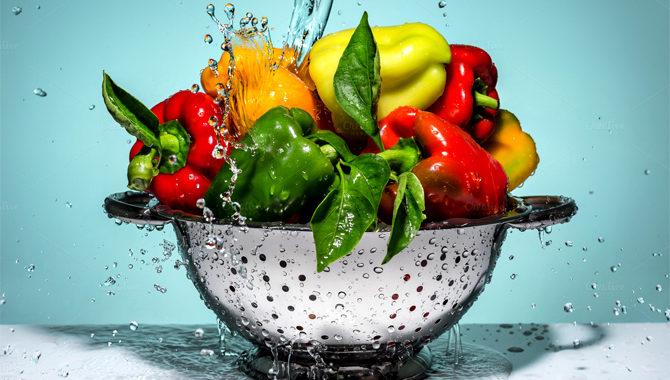 Как правильно чистить фрукты и овощи