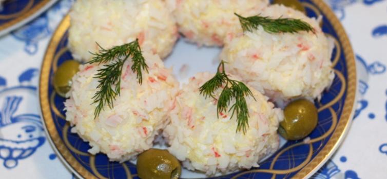 Закуска Рафаэлло из крабовых палочек и сыра – пошаговый рецепт с фото