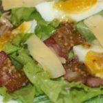 Салат с беконом и яйцом – пошаговый рецепт с фото