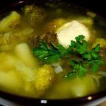 Суп из брокколи с луком-пореем - пошаговый рецепт с фото